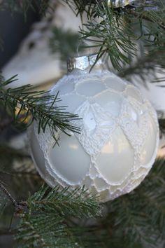 Kerstbal omhaken uit Inhaken op de winter