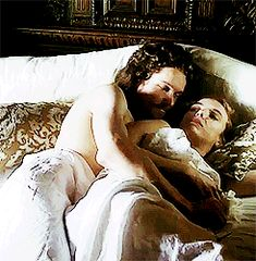 Merry Renaissance nerds once known as theborgiasita, we will henceforth post everything Renaissance-related (with a yet special fondness for the so-called original crime family). Romantic Kiss Gif, Romantic Couples, Cute Couples, Love Couple, Couple Goals, Vampire Stories, The White Princess, The Borgias, Jodie Comer