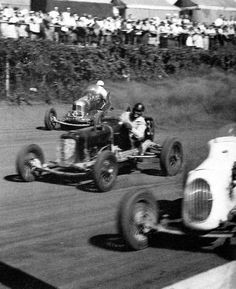 Nice shot of Big Cars (I think) on the dirt at what looks like a State Fair. Vintage Auto, Vintage Race Car, Dirt Track Racing, Auto Racing, Sprint Cars, Art Cars, Cars And Motorcycles, Automobile, Coastal
