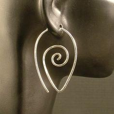 These are simple wires to make ga. Copper Jewelry, Beaded Jewelry, Handmade Jewelry, Jewellery, Wire Jewelry Making, Jewelry Making Tutorials, Unique Earrings, Diy Earrings, Bijoux Fil Aluminium