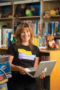 SLJ's 2015 school librarian of the year award opens for entries!