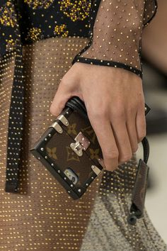 Europe Fashion Men's And Women Wears......: IS LOUIS VUITTON'S NEW 'IT' BAG A PHONE CASE?