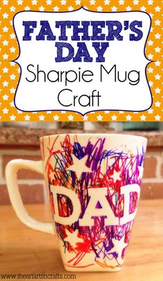 Easy Father's Day Sharpie Mug Kids Craft I cannot emphasize how EASY this craft is! I am going to warn you though, this requires some adult supervision because it involves permanent marker. We created a few different crafts for Father's D… Diy Father's Day Gifts, Father's Day Diy, Craft Gifts, Diy Father's Day Mug, Diy Gifts For Dad, Daddy Gifts, Gifts For Father, Fathers Day Mugs, Grandparents Day Gifts