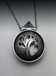 The Anderson Locket - Ginger Meek Allen Heart Jewelry, Clay Jewelry, Metal Jewelry, Pendant Jewelry, Jewelry Art, Sterling Silver Jewelry, Jewelry Crafts, Jewelry Design, Crystal Jewelry