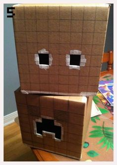 Making Minecraft Creeper & Steve heads from cardboard boxes - step by step cosplay/costume tutorial