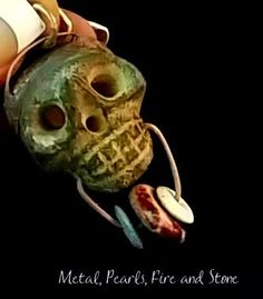 Yes, it is amazing. This stone skull -heavy- has an amazing texture, impressive work since is hollow and has a magnificent style. To adapt it to a foal, has been soldered -with a copper patina cove…