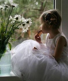 Precious Children, Beautiful Children, Happy Children, Kind Photo, Photo Style, Foto Fun, Girls Dresses, Flower Girl Dresses, Flower Girls
