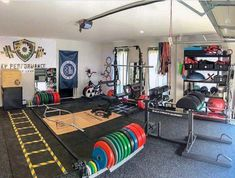 Top 75 Best Garage Gym Ideas - Home Fitness Center Designs : Layout Ideas Garage Gyms Pump iron in the privacy of your own place with the top 75 best garage gym ideas. Explore cool home fitness center designs featuring equipment to decor. Crossfit Garage Gym, Home Gym Garage, Diy Home Gym, Home Gym Decor, Gym Room At Home, Workout Room Home, Dorms Decor, Basement Gym, Best Home Gym