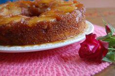 Cómo preparar una rica torta invertida de manzana Ingredientes 4 manzanas chicas 1 limón 100 g de azúcar orgánica (para caramelizar el molde) 300 g de harina leudante Manteca 100 g...