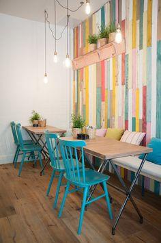 Decoración de restaurantes vintage: 5 tips para triunfar - Proyecto - Restaurant Interior Design, Diy Interior, Bathroom Interior Design, Coffee Shop Design, Cafe Design, Cafe Shop, Cafe Bar, Deco Cafe, Deco Restaurant