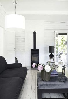 Scandinavian Living Room Designs I am not absolutely sure if you have noticed of a Scandinavian interior design. Living Room Decor On A Budget, Living Room Decor Colors, Elegant Living Room, Home And Living, Wooden Cottage, Wooden House, Christmas Living Rooms, Decoration Inspiration, Cottage Interiors