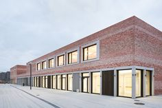 "Gallery of School and Community Center ""B³ Gadamerplatz"" / Datscha Architekten - 1"