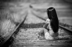 By Angel Trujillo. by Irina Mihaela on Fashion Photography Poses, Creative Photography, Portrait Photography, Railroad Track Photography, Girl Train, Poses For Pictures, Outdoor Photos, Portrait Poses, Creative Portraits