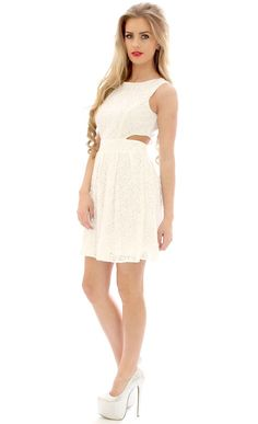Put a spring in your step with this lovely crochet lace number. The pretty crochet detail adds a touch of class to your spring wardrobe. Team with wedges and a cute hat for the ultimate in this season chic.