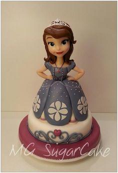 Tutorial - Sophia the Princess Cake and Figurine by MG SugarCake Fondant Toppers, Fondant Cakes, Cupcake Cakes, Mini Cakes, Cake Topper Tutorial, Fondant Tutorial, Cake Decorating Techniques, Cake Decorating Tutorials, Decorating Supplies