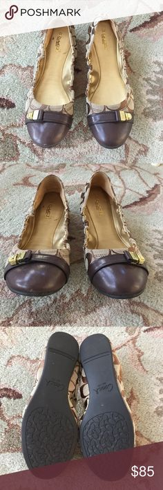 COACH Delphine✨Ballet Flats Signature COACH, tan and brown flats. Great condition. Please see all pics for your opinion. COACH Shoes Flats & Loafers