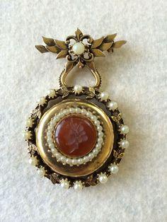 Vintage Florenza Brooch Bar Pin Circular Hanging Cameo Locket