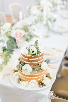 Fine art wedding in Toulouse France - French Wedding Style Wedding Cake Rustic, Chic Wedding, Elegant Wedding, Our Wedding, Wedding Cakes, Naked Cake Image, Wedding Designs, Wedding Styles, Cake Table Decorations