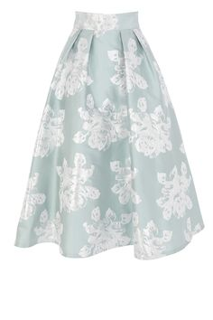 COAST A show-stopping catwalk inspired midi skirt with statement volume. The Rita skirt features subtle pleats at the waist that create a modern look whilst a tulle under skirt creates exaggerated fullness and dramatic flaring. Oozing vintage appeal, the skirt is adorned in metallic floral embroidery making for the perfect finishing touch.