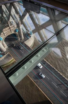 La camminata panoramica in cima a Tower Bridge #Londra #London