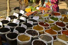 Дневной рынок в Анжуне, Гоа. / Фото / блог о путешествиях freeliving.ru