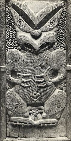 Tiny lower figure pachatata: Maori carved door from the Pah of Te. Carved Door, Hand Carved, Maori Words, Polynesian People, Maori Patterns, Maori People, Maori Designs, Maori Art, Kiwiana