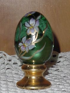 Green Fenton Egg Signed JK Spindler Floral Lavender on Green  No. 12