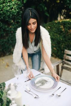 Holiday Table Setting | LA, holiday, gift guide 2016, sazan hendrix, lenox, kate spade, home decor, cozy, how to set a table, dinner table inspiration, home decor inspiration, cute, bohemian ink, calligraphy, who what wear, blogger