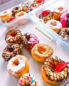 @somosumonly #donuts #donut #bomdia #cafedamanha #rosquinha #cake Donuts, Doughnut, Cake, Desserts, Food, Morning Coffee, Pie Cake, Meal, Beignets
