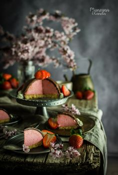 Mousse de fresa con chocolate. #strawberry #mousse #chocolate