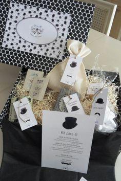KIt para...ELLOS ---- Bonita caja llena de jabones artesanales DobleM y mas detalles que le gustarán. Se original con tus regalos