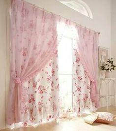 Adorabili tendine bianche con fiori rosa