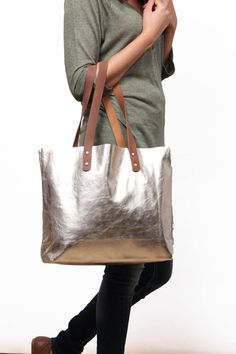 Silver leather shopper