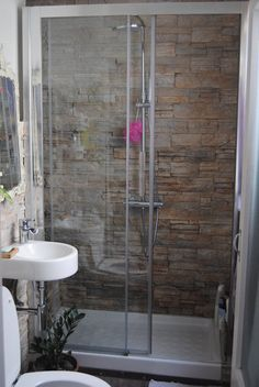 Basement Bathroom Remodeling Improves Your Home's Value! Bathtubs For Small Bathrooms, Beautiful Small Bathrooms, Modern Small Bathrooms, Yellow Bathrooms, Bathroom Design Small, Amazing Bathrooms, Bathroom Plans, Basement Bathroom, House Design