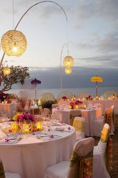 Beautiful lanterns www.partyista.com