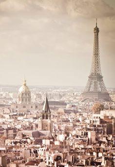 ☆ Paris