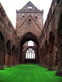 Sweetheart Abbey, founded by Lady Devorgilla in 1273, New Abbey, Dumfries and Galloway,  Scotland Copyright: Morag Hamilton