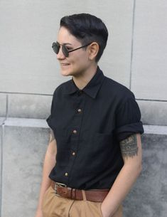 3 Best Tips On How to Rock An Androgynous Fashion Style Butch Lesbian Fashion, Butch Fashion, Queer Fashion, Tomboy Fashion, Girl Fashion, Fashion Outfits, Lesbian Outfits, Tomboy Outfits, Cute Outfits