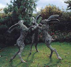 Dancing-Lady-Hares-Sophie-Ryder-457x430