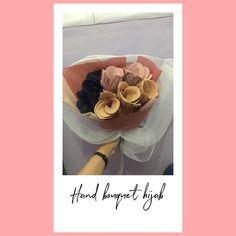Scarf Packaging, Boquet, Ribbon, Crafts, Tape, Manualidades, Band, Ribbon Hair Bows, Handmade Crafts