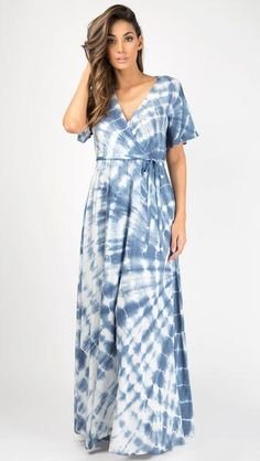 Short Bell Sleeve Tie Dye Maxi Dress #lightblue #tiedye #maxidress