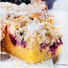 Ciasto ucierane z owocami i kruszonką French Toast, Muffin, Baking, Breakfast, Cake, Desserts, Food, Recipes, Kitchens