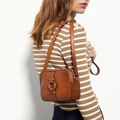 Discover the latest Massimo Dutti clothing, shoes and accessories for women, men or kids from the Spring/Summer 2019 collection. Beady Eye, Mini Messenger Bag, Sling Backpack, Fashion Backpack, Purses And Bags, Autumn Fashion, Backpacks, Womens Fashion, Hoop