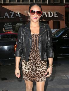 Damn girl! Paula Patton looked smokin' hot in a skin-tight leopard-print dress, leather jacket and cherry red, oversized sunnies! Werk it!