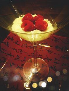 RECIPES: Vanilla Cream with Raspberries {Healthy}