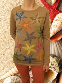 Camiseta 12 estrellas de mar de colores de Pat-Pil por DaWanda.com Graphic Sweatshirt, T Shirt, Sweatshirts, Sweaters, Mens Tops, Fashion, Cotton T Shirts, Starfish, Man Women