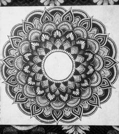 Mandala Drawing, Mandala Art, Dog Biscuit Recipes, Mandala Canvas, Doodle Patterns, Coloring Pages, Sketch, Drawings, Mandalas