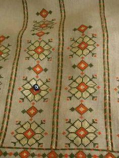 Neşe'nin gözdeleri Embroidery Sampler, Embroidery Patterns, Hand Embroidery, Cross Stitch Patterns, Crochet Yarn, Knitting Yarn, Bargello Patterns, Blackwork, Needlepoint