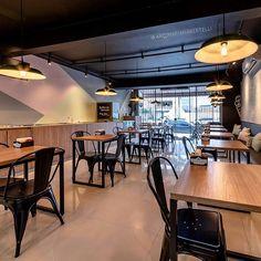 Pizzeria Design, Small Restaurant Design, Restaurant Layout, Grill Restaurant, Bistro Interior, Restaurant Interior Design, Supermarket Design, Small Restaurants, Shop Interiors