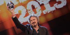 1LIVE KRONE 2013 die Preisträger - Am Donnerstagabend wurde in der Bochumer Jahrhunderthalle zum 14. Mal die 1LIVE KRONE verliehen. Über 1,5 Millionen Hörerinnen und Hörer des jungen WDR-Radios hatten im Internet für ihre Favoriten abgestimmt und damit einen neuen Voting-Rekord aufgestellt.